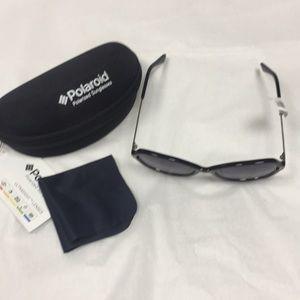 Polaroid sunglasses case/cleaning cloth Polarized